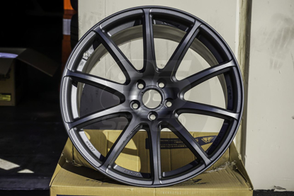 Picture of Gram Lights 57Transcend 18x9.5 5x100 +39 Matte Graphite Wheel
